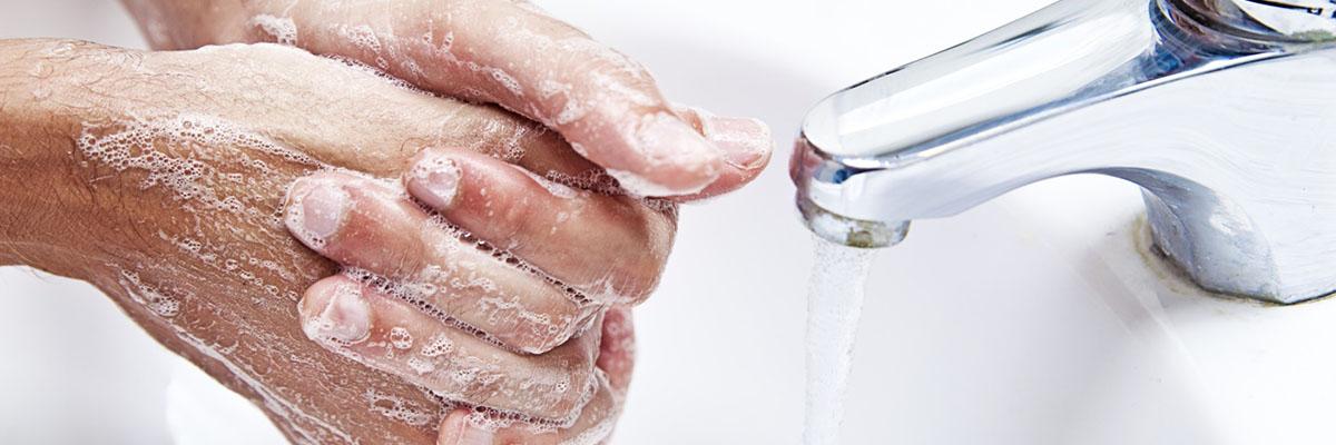 Как правильно и чем мыть руки от коронавируса COVID-19